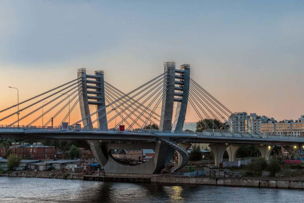 мост Бетанкура, наружное освещение